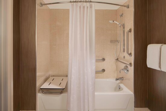 Accessible Guest Bathroom -Bathtub