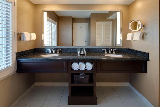 Two Bedroom Presidential Suite - Double/Double Bathroom