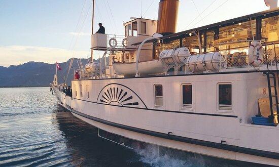 Montreux Boat For Dinner