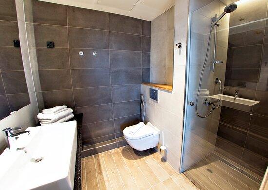 Original Sokos Hotel Alexandra Jyvaskyla Superior Bathroom