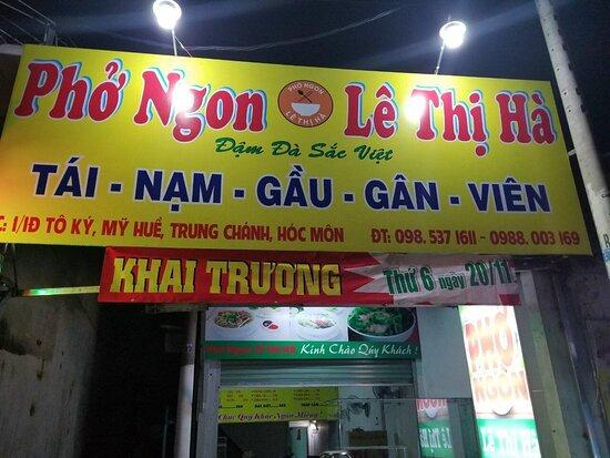 Ho Chi Minh City, Vietnam: Thi công bảng hiệu quảng cáo