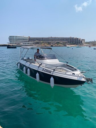 Malta: This Eolo Speedboat is available for day charters and being a 2019 model, she is modern and has exactly what you need on-board to ensure your day out is just perfect. Your captain is experienced and with a 300hp engine you can enjoy a fun cruise.