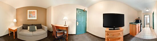 Guest Room - Picture of Country Inn & Suites by Radisson, Mason City, IA - Tripadvisor