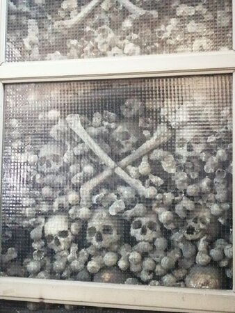Lodi, Italy: ossa