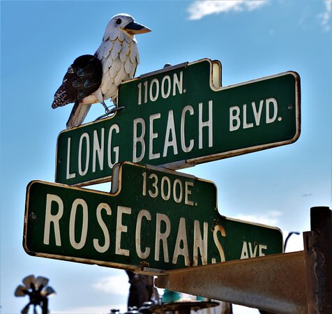 Oro Grande, CA: Street signs at the entrance