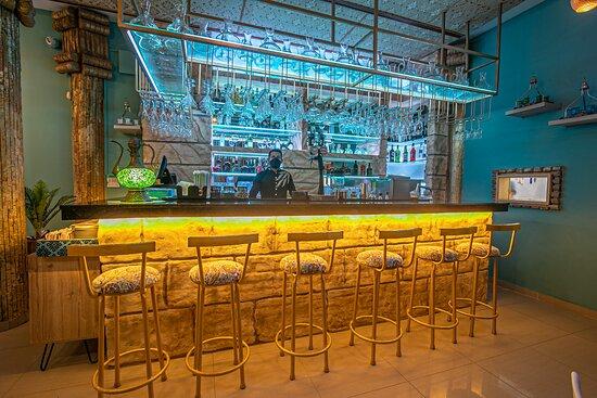 Bar, disfruta de la mejor coctelería de autor en Persepolis Gastro Bar