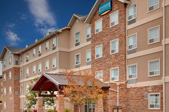 Staybridge Suites Calgary Airport, hoteles en Calgary