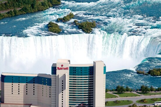 The 10 Best Hotels In Niagara Falls For