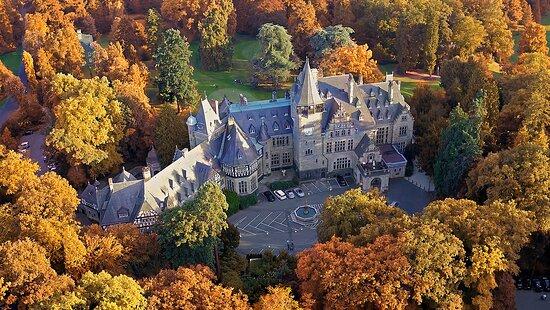 Schloss Hotel Kronberg, Hotels in Bad Soden