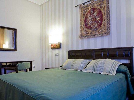 Hotel Puerta de Toledo, hôtels à Madrid