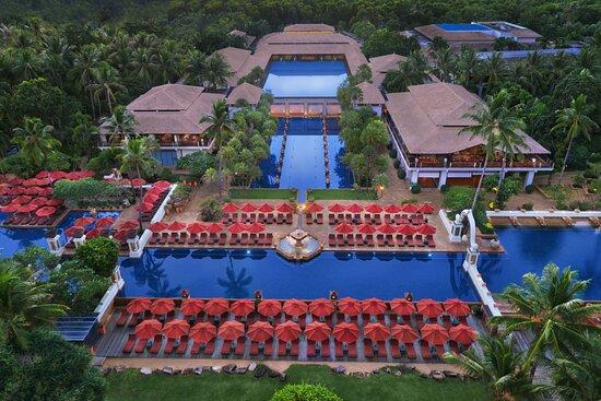 Marriott's Phuket Beach Club
