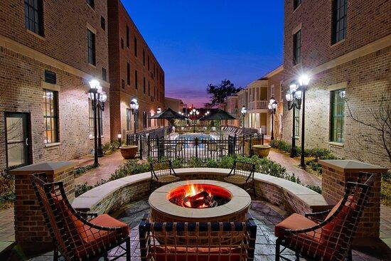 Residence Inn Savannah Downtown/Historic District, hoteles en Savannah