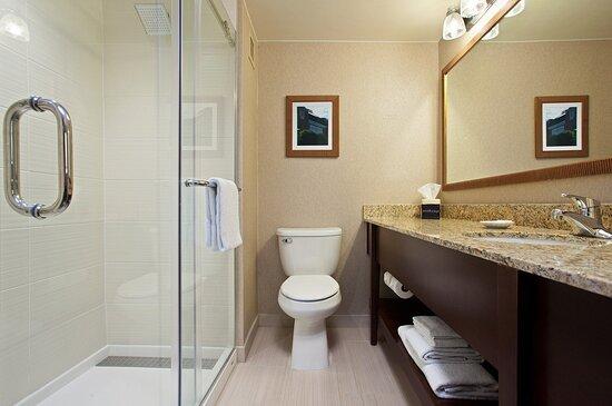 Ouinn Bathroom Standard King Standard Two Doubles Suite