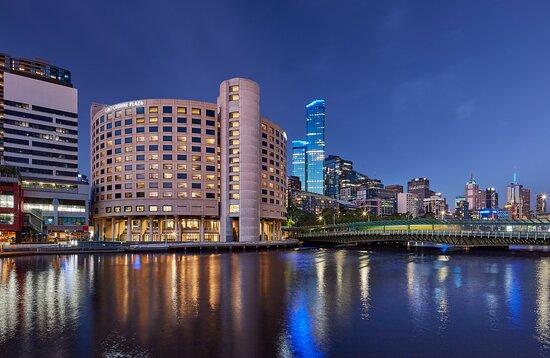 Crowne Plaza Melbourne Exterior