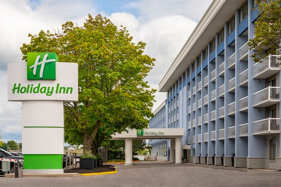 Renovated Holiday Inn KIngston Waterfront