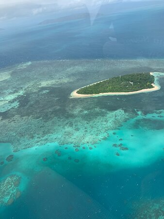 40-Minute Great Barrier Reef Scenic Flight from Cairns Photo