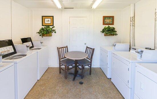 De Soto, MO: Laundry facilities for your convenience