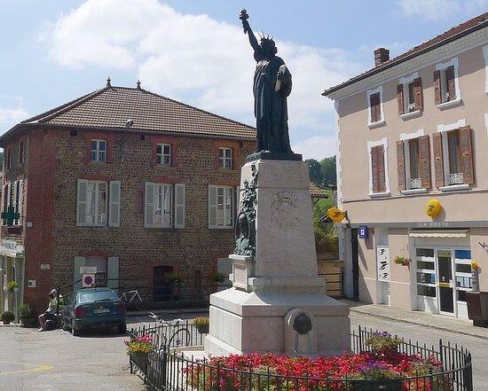 Statue De La Liberté Et Monument St Romme