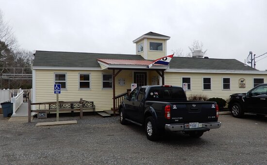 Right on Route 1 in York, Maine, Wild Willy's is easy to find