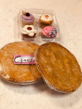 Cupcake and chicken pot pie