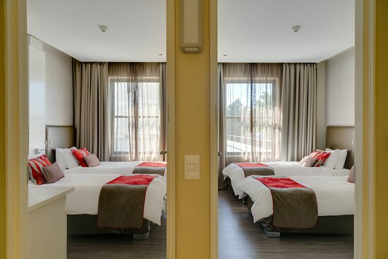 Family Twin/Twin Guest Room