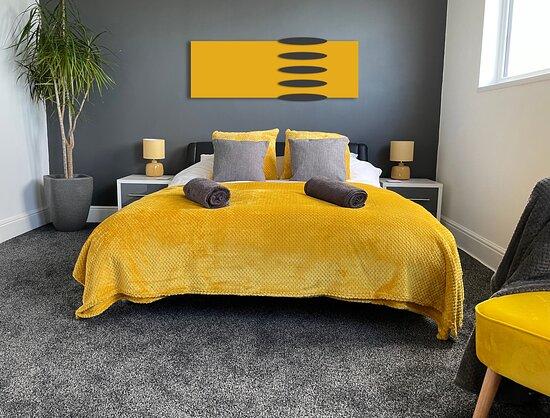Room7, Family room. Sleeps 4.