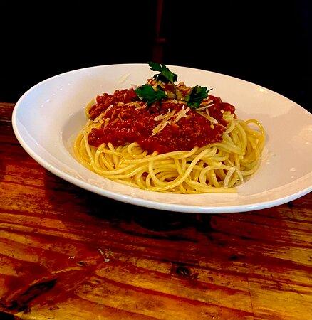 spaghetti bolognese. @tabernadobaorroalto
