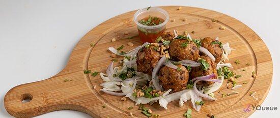 Thai Tempeh Quorn Meatballs w/ Thai sweet chili sauce (Vegetarian)