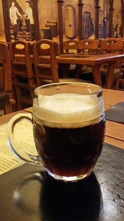 """Кружка отличного тёмного пива стоит в """"Золотой Праге"""" 190 рублей. В столице Чехии аналогичная намного дешевле...:)"""