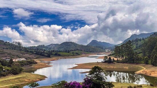 The lake inside the estate offers great views at different times of the day