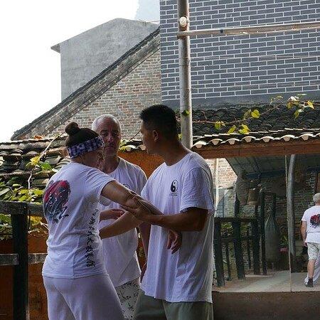 Tai chi push hands lesson to master kim yang Shuo China