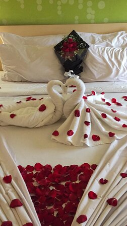 Honeymoon Pertama bersama istri