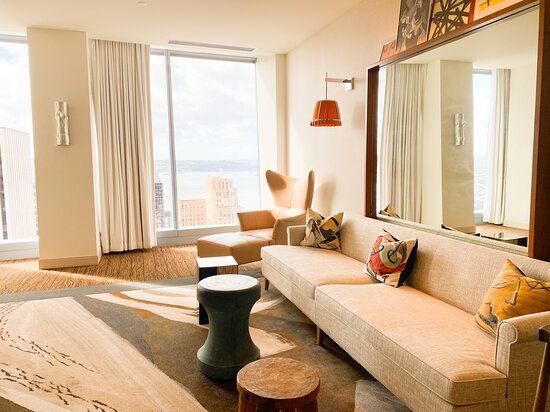 Living area, Premier Suite, Bay view