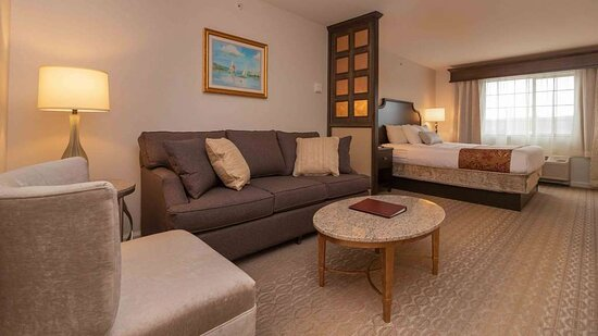 Traditional King Suite