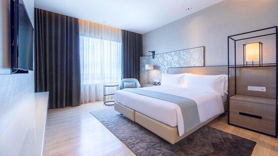 1 Bedroom Club Corner Suite