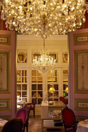 19th century neo-classical dining room