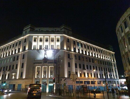 Lewis's Building