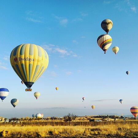 sunrise balloon tour