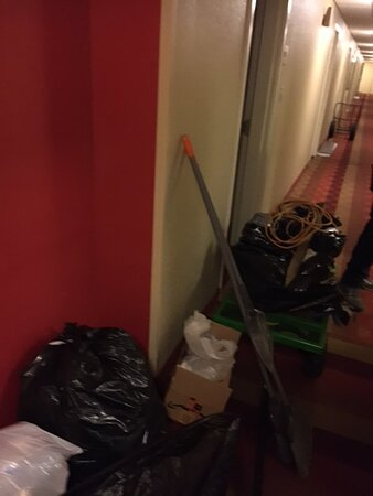 Construction debris at the elevator - this was common around the 1st floor which is undergoing very active renovations.