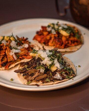 Tacos de pastor y Rib eye