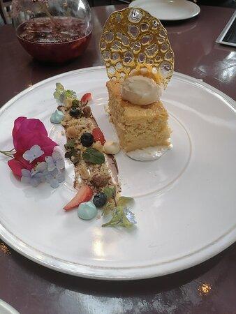 Tarta de elote, toda la decoración es comestible con ingredientes orgánicos