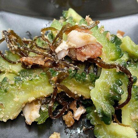 今年もゴーヤ、トウモロコシの季節になりました🍻   つぶ貝の煮付け ブリコの大根巻きだし煮 ゴーヤの梅塩昆布和え とうもろこしの天ぷら   【定休日変更のお知らせ😊】 3月からしばらく定休日を月・木曜日とさせていただきます。 営業時間 17:00~22:00(ラストオーダー 21:30)金・土曜日は多少融通利かせます✨💕 平日は19:00で判断し早く閉める場合もあります😅   一部の猛烈なマニアに支持されている「真空管」を出品しています。 https://auctions.yahoo.co.jp/seller/globaltrade_jazz?   【プレミアム食事券‼】大好評販売中です。 Go To イートに参加していませんのでJAZZ酒場かっぱ専用1冊販売価格¥10000で¥13000(¥1000券が13枚)の店内飲食、テイクアウトで利用できる【Go To イート JAZZ酒場かっぱ専用プレミアム食事券】を限定200冊販売しています。 ご購入当日利用可能ですので断然お得です  各種カード、PayPay使えて通常ポイントも付与されます。   ご来店頂ければさらなる特典のご案内