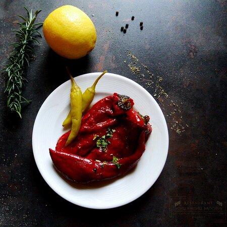 Gegrillte Paprika - eingelegt in Olivenöl, fein abgeschmeckt