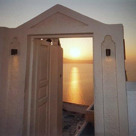 Santorini, Grekland: Memories.... A magic sunset in Fyra.