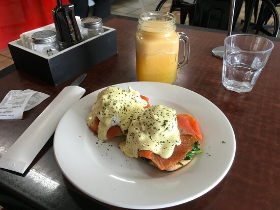 Eggs Florentine and freshly squeezed juice