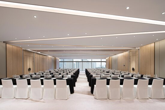 Lyon Meeting Room