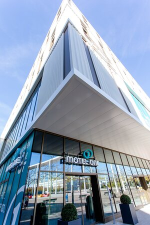 MOHote MNchen Messe Exterior