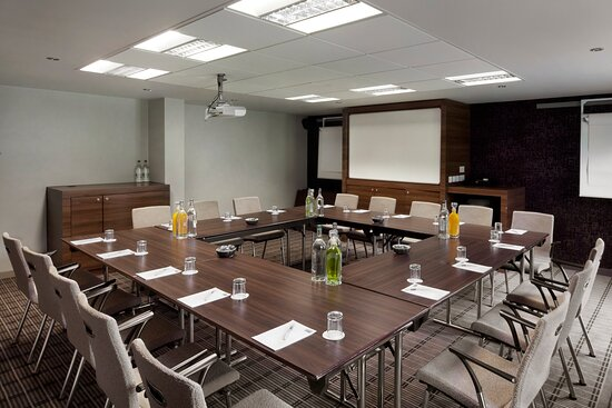 Modern meeting room facilities at Holiday Inn Express Stirling