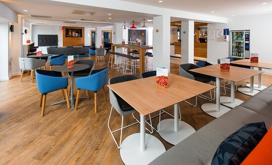 Guest Dining Lounge