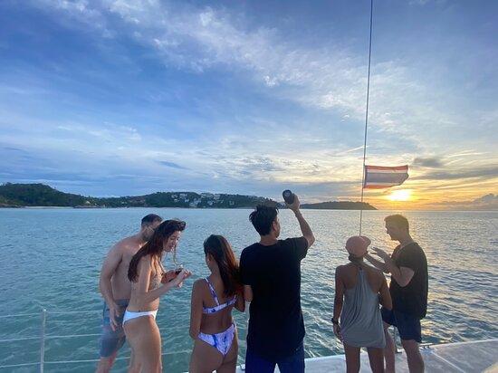 Private Sunset Cruise - Belize Catamaran: Sunset Cruise